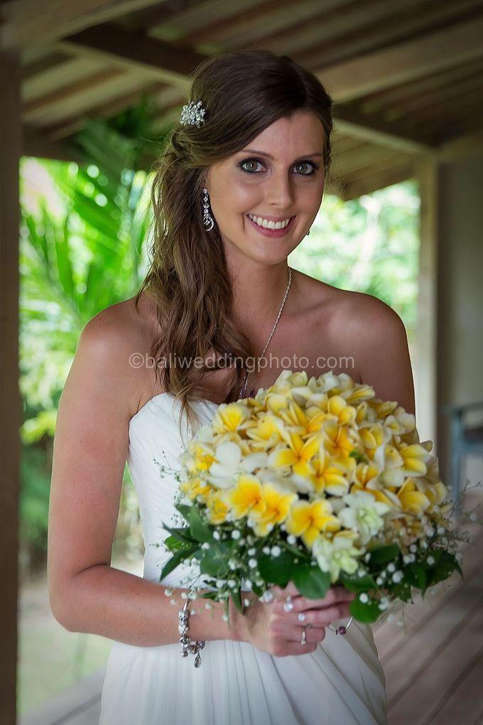 Wedding Photo of Ash and Bambi at Private Villa in Jimbaran by D'studio Photography Bali - 008