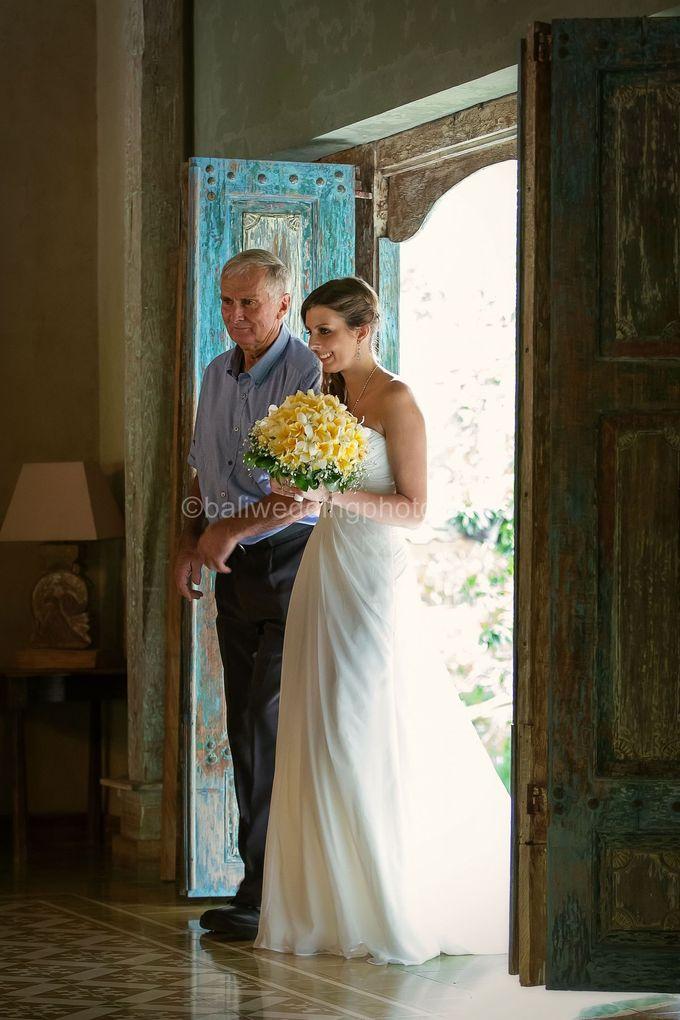Wedding Photo of Ash and Bambi at Private Villa in Jimbaran by D'studio Photography Bali - 010