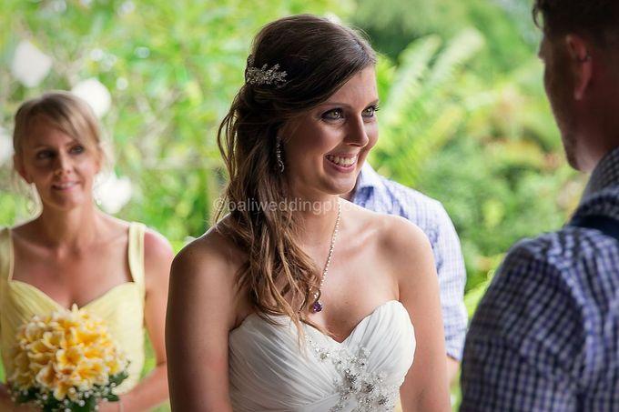 Wedding Photo of Ash and Bambi at Private Villa in Jimbaran by D'studio Photography Bali - 019