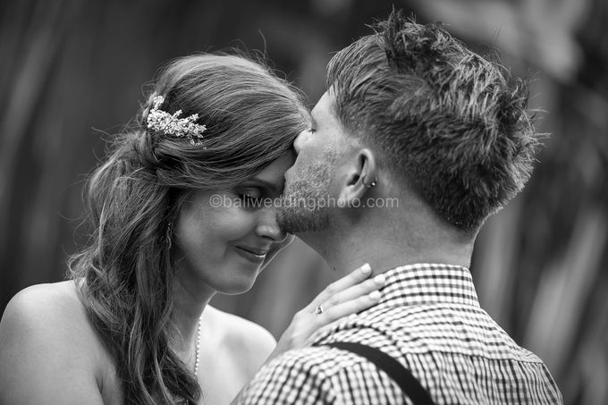 Wedding Photo of Ash and Bambi at Private Villa in Jimbaran by D'studio Photography Bali - 035