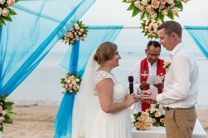 Bali Wedding Photography of Tori and Mark Wedding Day by D'studio Photography Bali - 029
