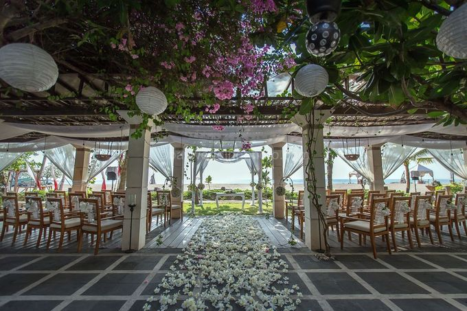 Wedding Pictures of Mat and Naomi Wedding Day at Ma Joly Bali by D'studio Photography Bali - 010