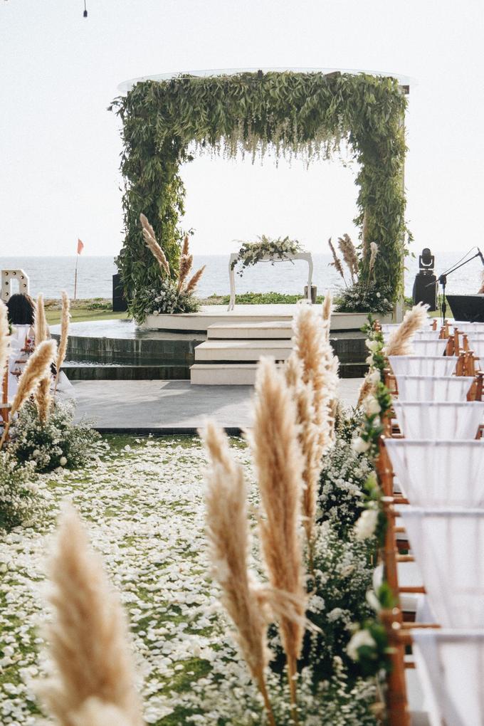 Dessy & Alvian Wedding by Bali Wonderful Decor - 004