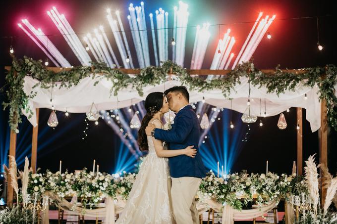 Dessy & Alvian Wedding by Vantis Official - 033
