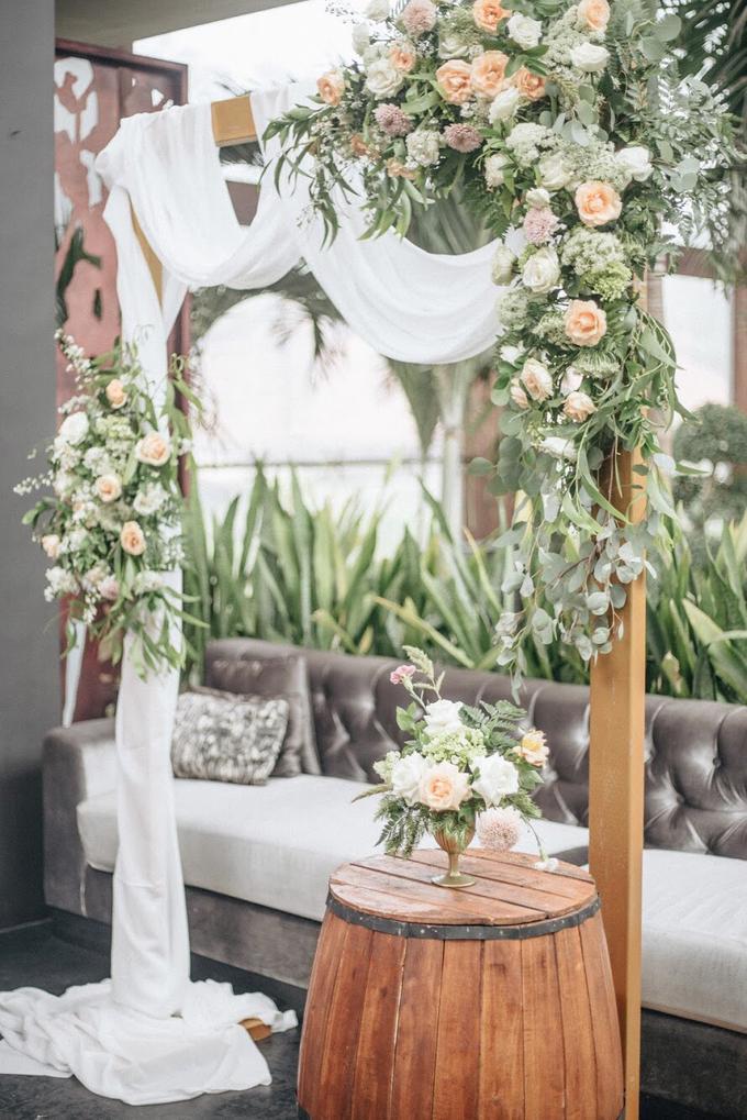 Zamir and Vivi wedding reception by Bali Wonderful Decor - 003