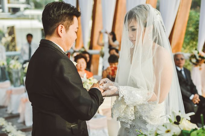 Bali Chapel Wedding - Roy & Sherry by The Deluzion Visual Works - 027