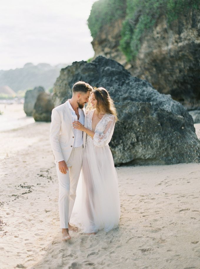 Bali beach wedding inspiration by NOMA Jewelry & Accessories - 001
