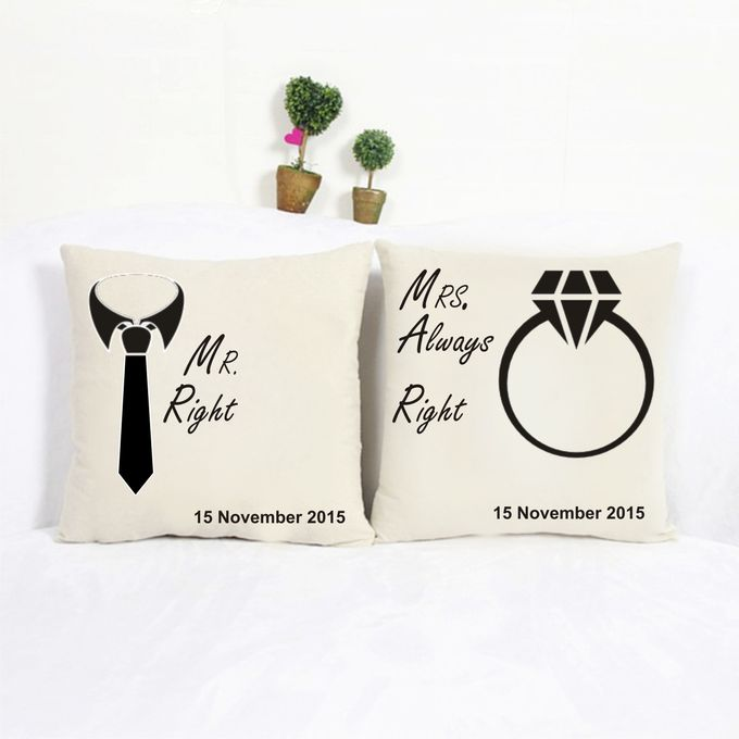 Bantal Sofa dekorasi wedding Bride and Groom by Dior Gift - 005