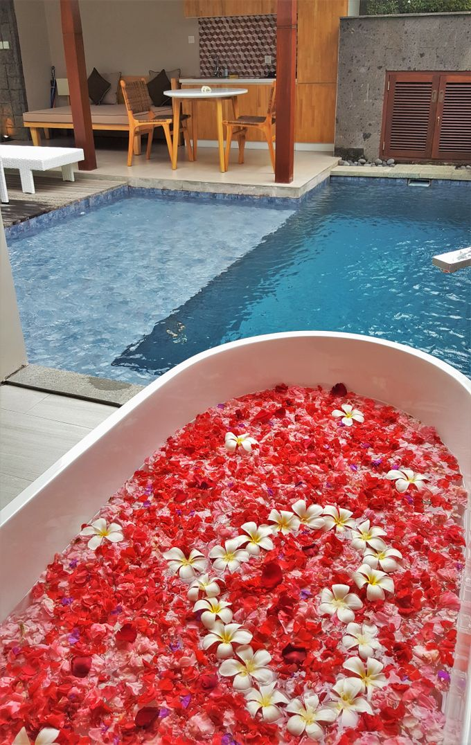 Honeymoon arrangement in the room by Theanna Eco Villa and Spa - 003
