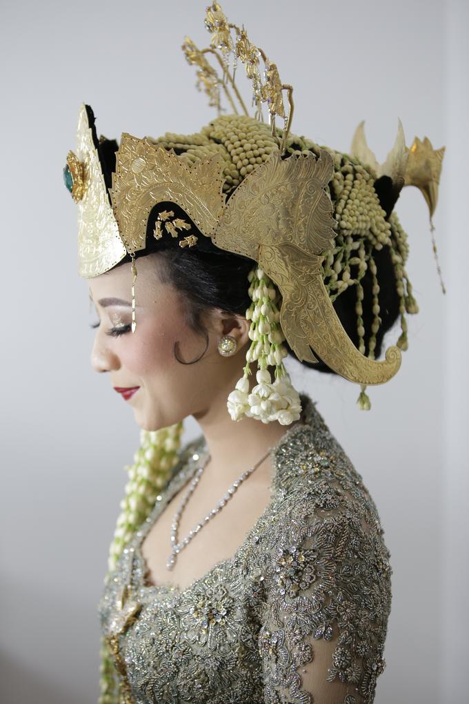 Rian & Astri adat Sunda Sumedangan by Verakebaya - 006