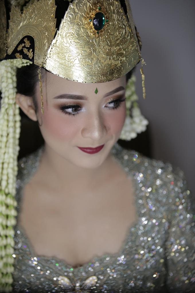 Rian & Astri adat Sunda Sumedangan by Verakebaya - 010