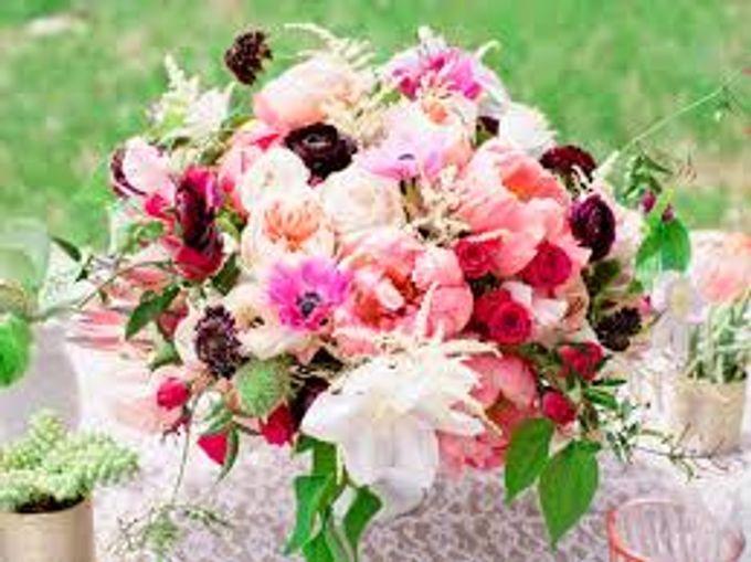 Bouquets, Corsages & Boutonnieres by Dorcas Floral - 019