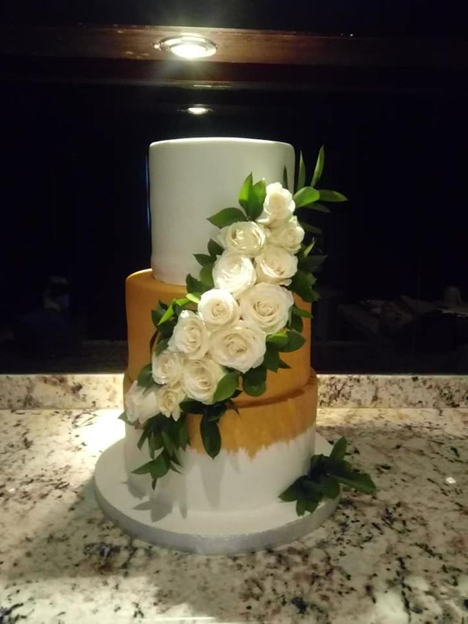 Wedding Cake Project at Bayan tree Resort bali by Henny Cookies and Cakes, Bali - 001