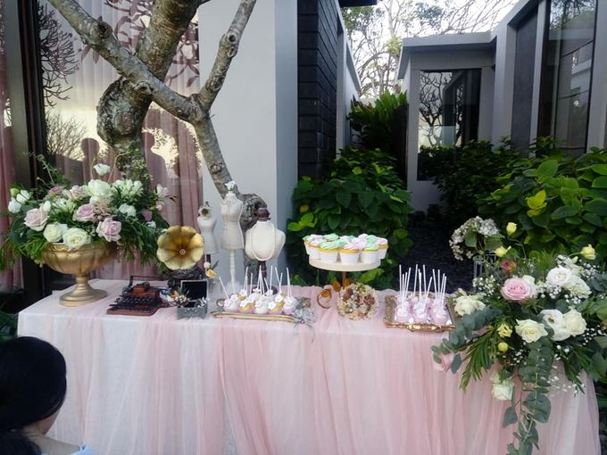 Wedding Cake Project at Bayan tree Resort bali by Henny Cookies and Cakes, Bali - 002