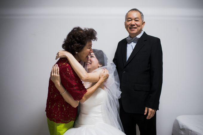 Wedding Day of Jade and Owen at Marina Mandarin Singapore by oolphoto - 008