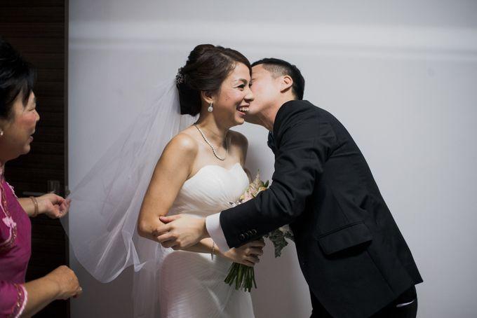 Wedding Day of Jade and Owen at Marina Mandarin Singapore by oolphoto - 020