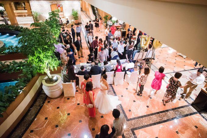 Wedding Day of Jade and Owen at Marina Mandarin Singapore by oolphoto - 031