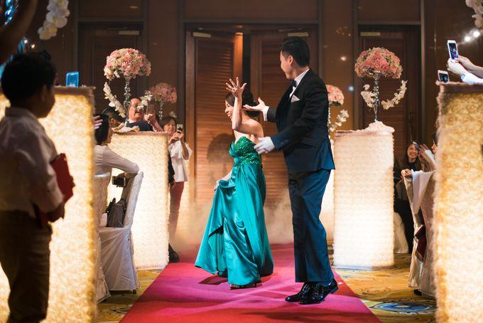 Wedding Day of Jade and Owen at Marina Mandarin Singapore by oolphoto - 039