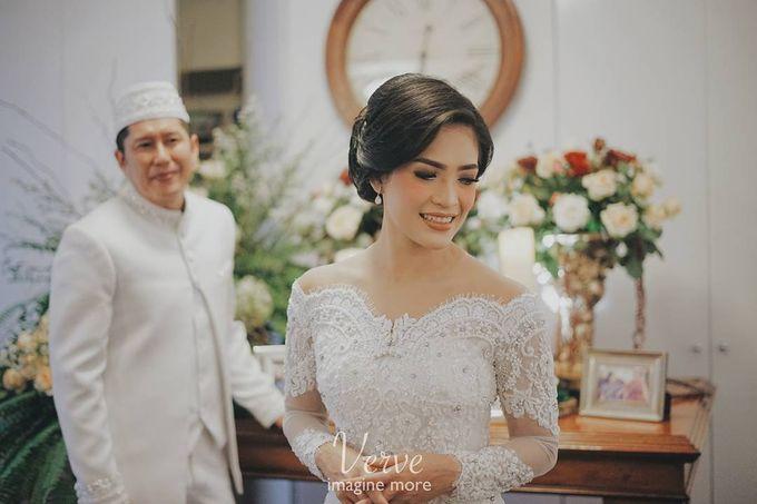 WEDDING CEREMONY OF ANGGINA & JUSTIN by Barli Asmara Couture - 011