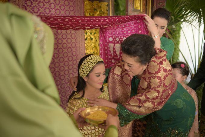 Bunga & Dendy Wedding Day by Adhyakti Wedding Planner & Organizer - 003