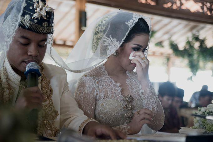 Bunga & Dendy Wedding Day by Adhyakti Wedding Planner & Organizer - 007