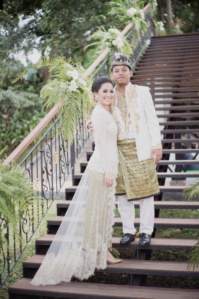 Bunga & Dendy Wedding Day by Adhyakti Wedding Planner & Organizer - 008