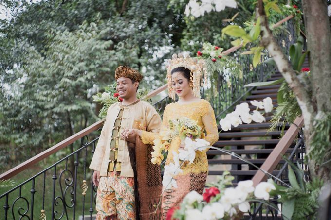 Bunga & Dendy Wedding Day by Adhyakti Wedding Planner & Organizer - 014