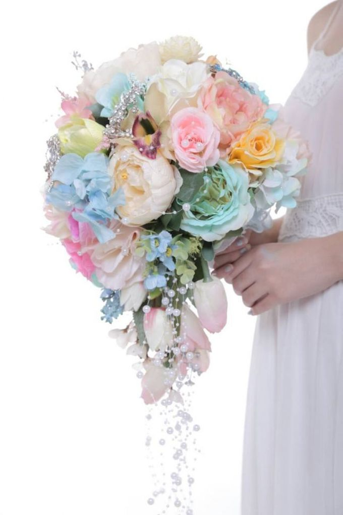 ENCHANTED WEDDING BOUQUET by LUX floral design - 039