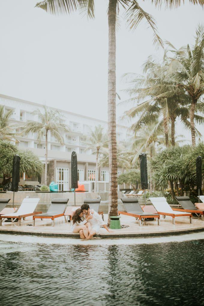 Beach Stroll & Hotel Room Session on Rashi & Prateek by fire, wood & earth - 019
