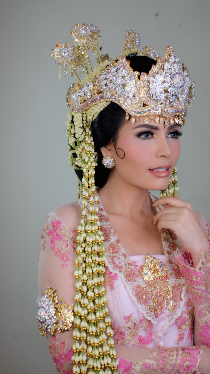 Photoshoot for Sunda Siger Bride by beautified by santishiva - 002