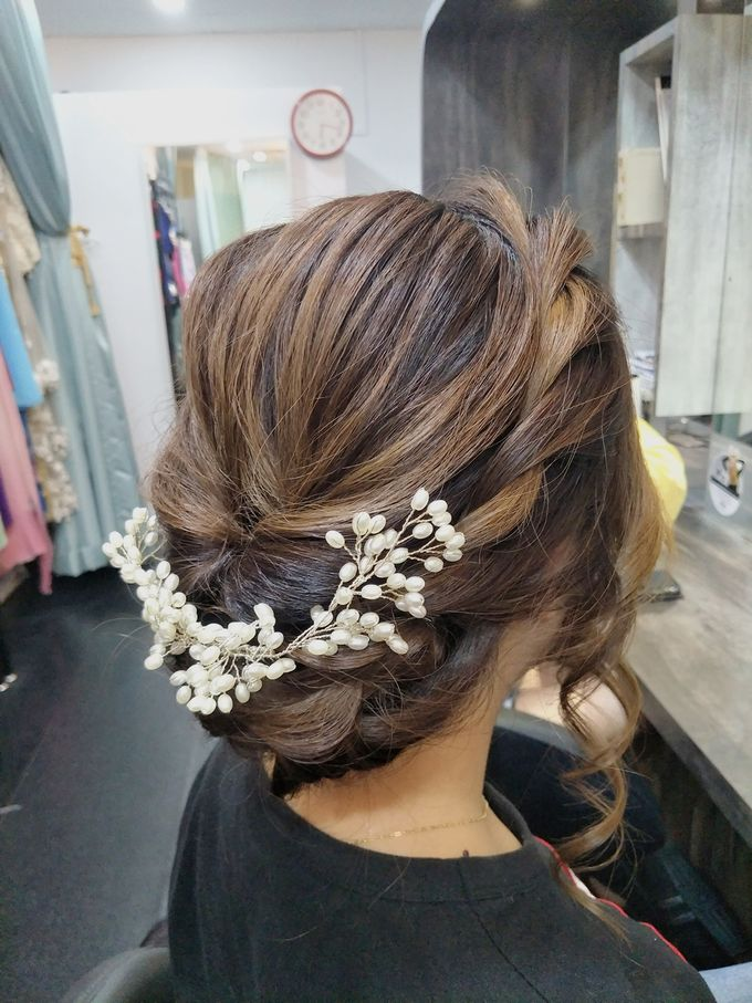 Hairstyling By Lili by Lili Makeup Specialist - 029