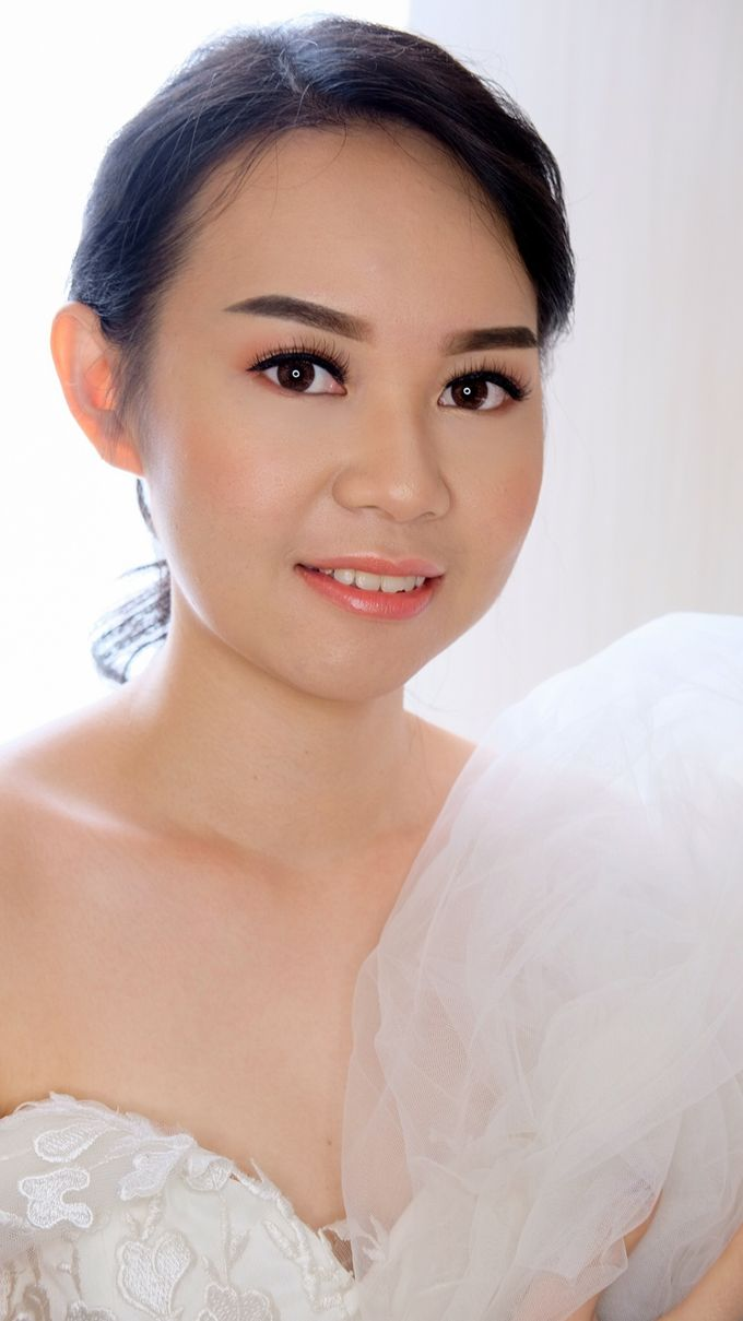 Bridal Makeup by Junie Fang Makeup Artist - 002