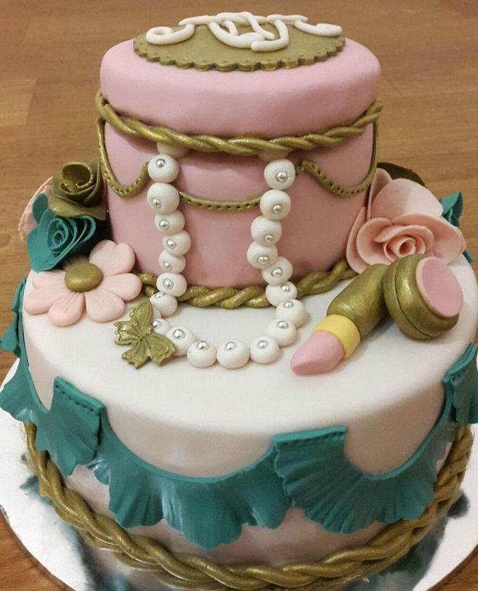 Wedding Cakes and Cupcakes by Rolling Pin Sugar Art - 005