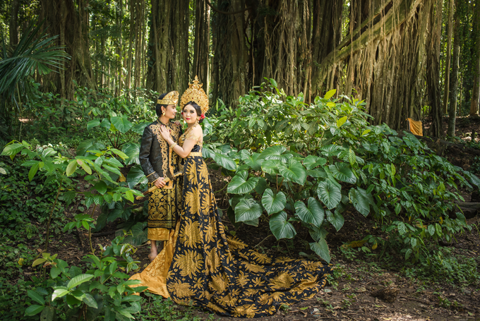 Prewedding at Sangeh - Bali by Bali Epic Productions - 005