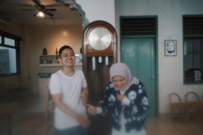 Indoor/Studio Prewedding by berceritakita - 012