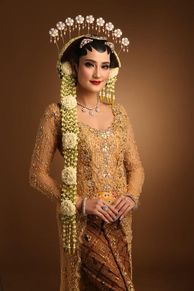 Sewa / Renr Kebaya Wedding 2019 by Berkat Kebaya By Devina Shanti - 003