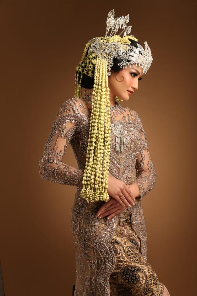 Sewa / Renr Kebaya Wedding 2019 by Berkat Kebaya By Devina Shanti - 009