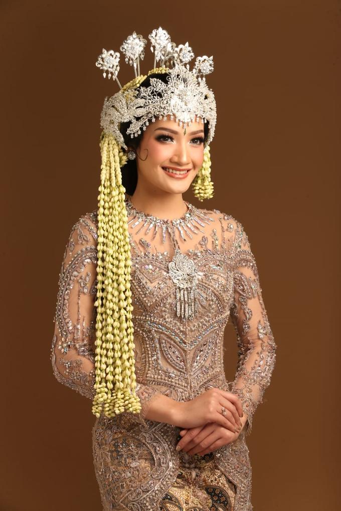 Sewa / Renr Kebaya Wedding 2019 by Berkat Kebaya By Devina Shanti - 011