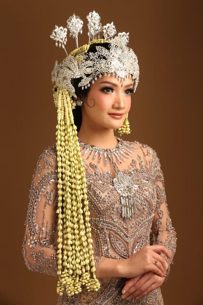 Sewa / Renr Kebaya Wedding 2019 by Berkat Kebaya By Devina Shanti - 012