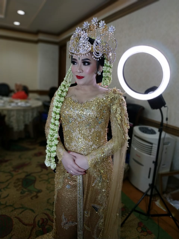 BRIDE and GROOM 2019 by Berkat Kebaya By Devina Shanti - 002