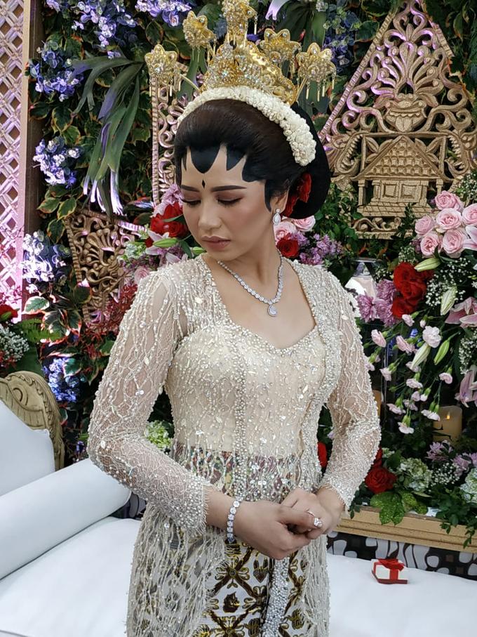 BRIDE and GROOM 2019 by Berkat Kebaya By Devina Shanti - 005