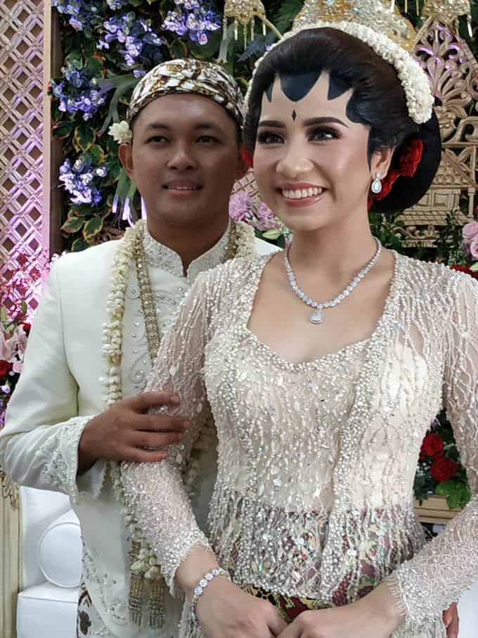 BRIDE and GROOM 2019 by Berkat Kebaya By Devina Shanti - 006