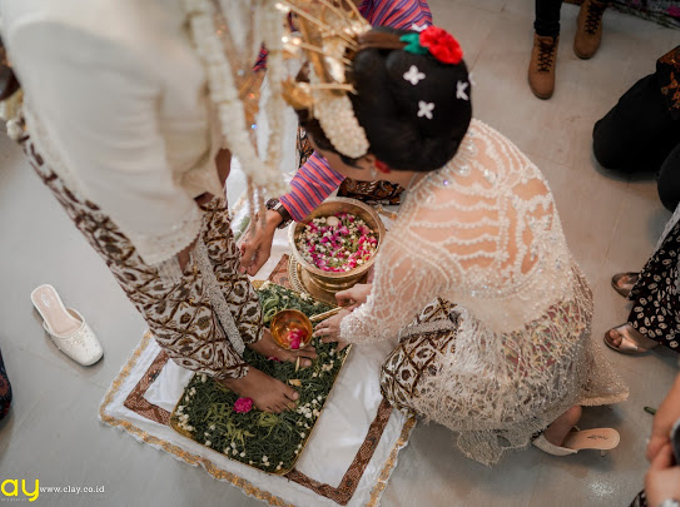 BRIDE and GROOM 2019 by Berkat Kebaya By Devina Shanti - 011