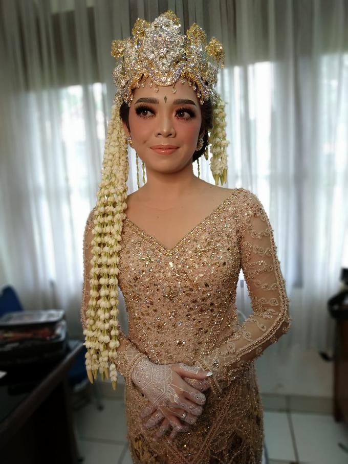 BRIDE and GROOM 2019 by Berkat Kebaya By Devina Shanti - 021