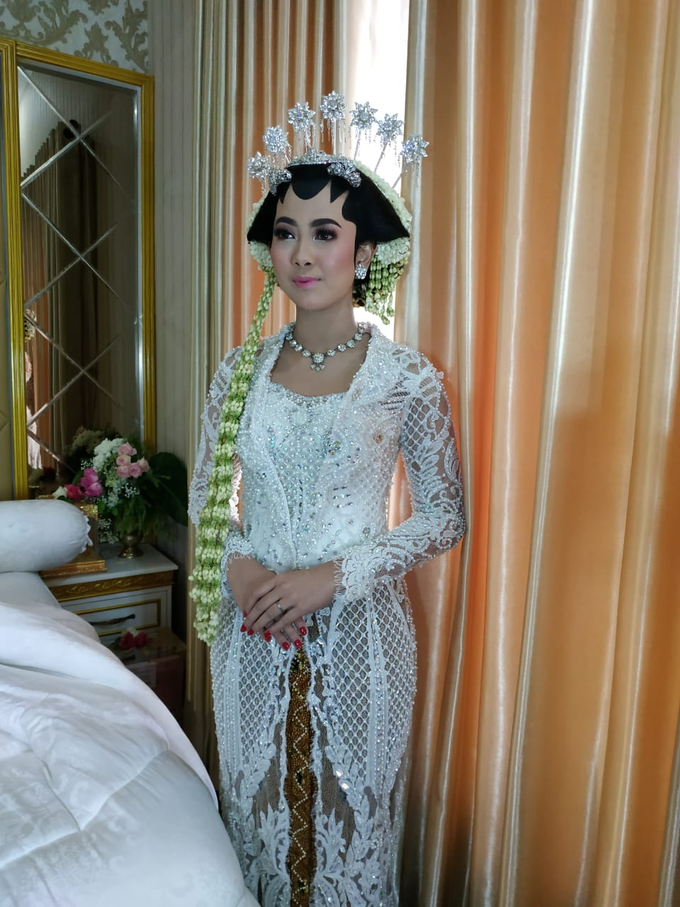 BRIDE and GROOM 2019 by Berkat Kebaya By Devina Shanti - 031