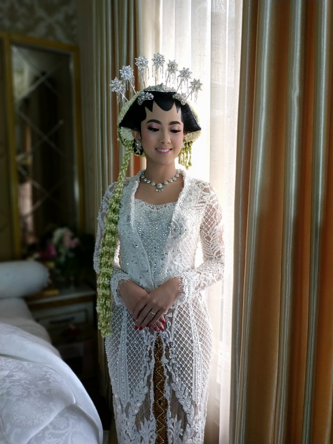 BRIDE and GROOM 2019 by Berkat Kebaya By Devina Shanti - 040