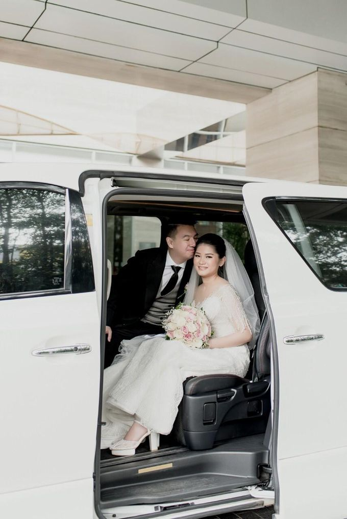 Bernard & Bella Jan 2021 by sapphire wedding car - 003