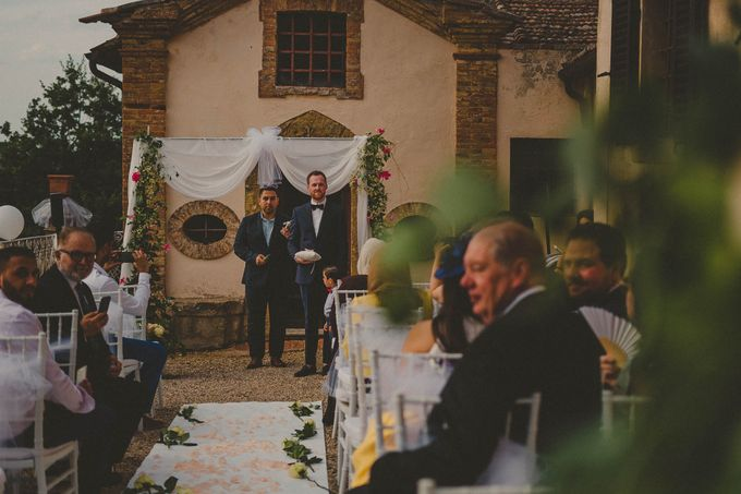 A Romantic Persian Wedding in the Magical Tuscany Country by Livio Lacurre Photography - 020