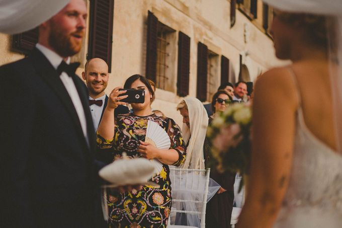 A Romantic Persian Wedding in the Magical Tuscany Country by Livio Lacurre Photography - 021