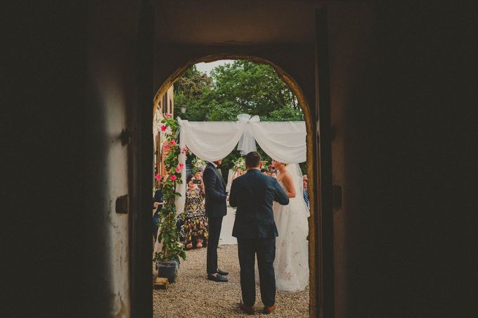 A Romantic Persian Wedding in the Magical Tuscany Country by Livio Lacurre Photography - 023